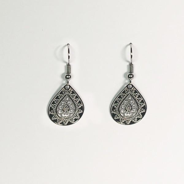 Kleine Ornament-Ohrringe in Silber